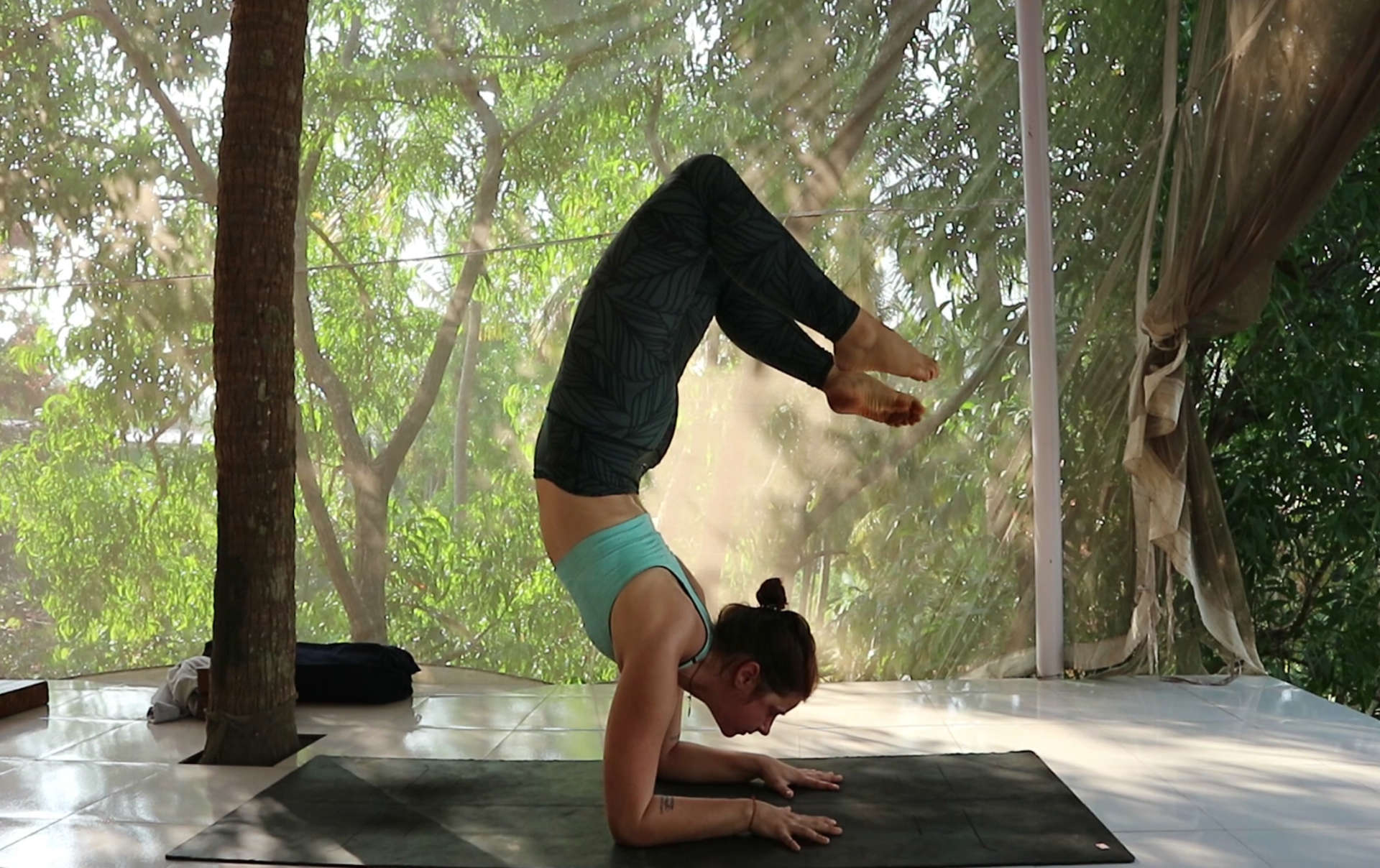 A DAY in my LIFE at SAMPOORNA YOGA